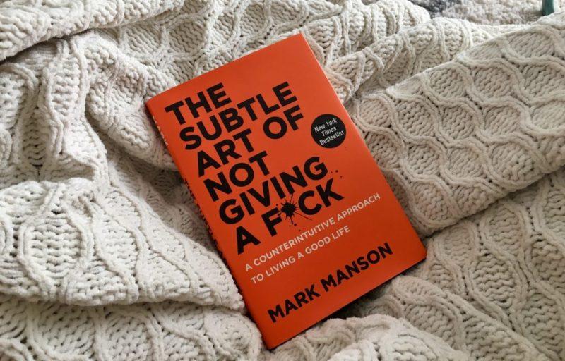 10 libros que te inspirarán a cambiar tu vida - hotbook-10-libros-para-ser-mejor-en-la-vida-1