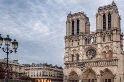 Iniciativas para la reconstrucción de Notre Dame - HOTBOOK Iniciativas para la reconstrucción de Notre Dame PORTADA