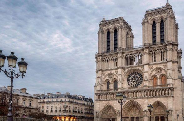 Iniciativas para la reconstrucción de Notre Dame