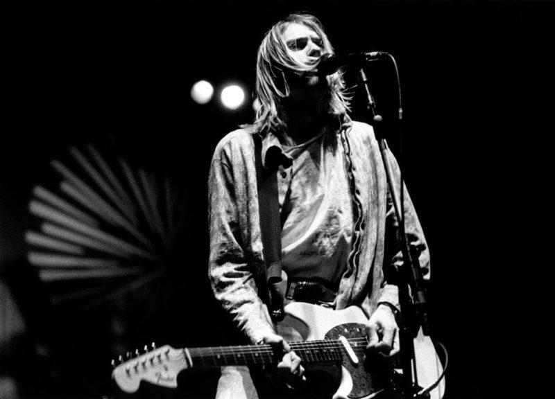 Kurt Cobain, uno de los músicos más icónicos en la historia del rock - hotbook-kurt-cobain-uno-de-los-musicos-mas-iconicos-en-la-historia-del-rock-guitarra