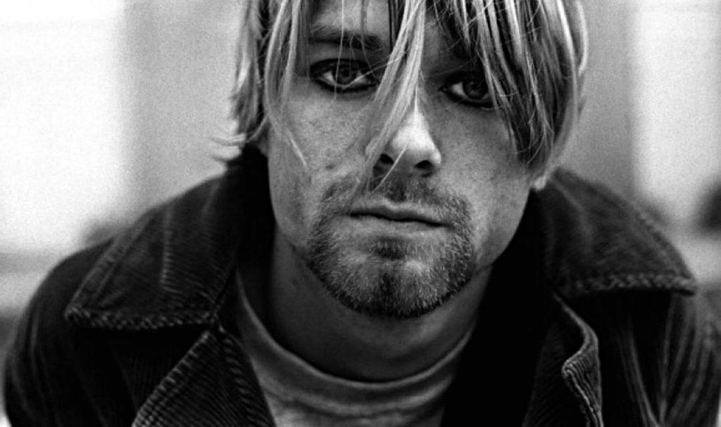 Kurt Cobain, uno de los músicos más icónicos en la historia del rock - HOTBOOK Kurt Cobain, uno de los músicos más icónicos en la historia del rock PORTADA