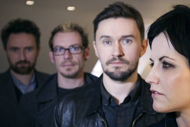 11 cosas que probablemente no sabías de The Cranberries - hotbook_thecranberries_3