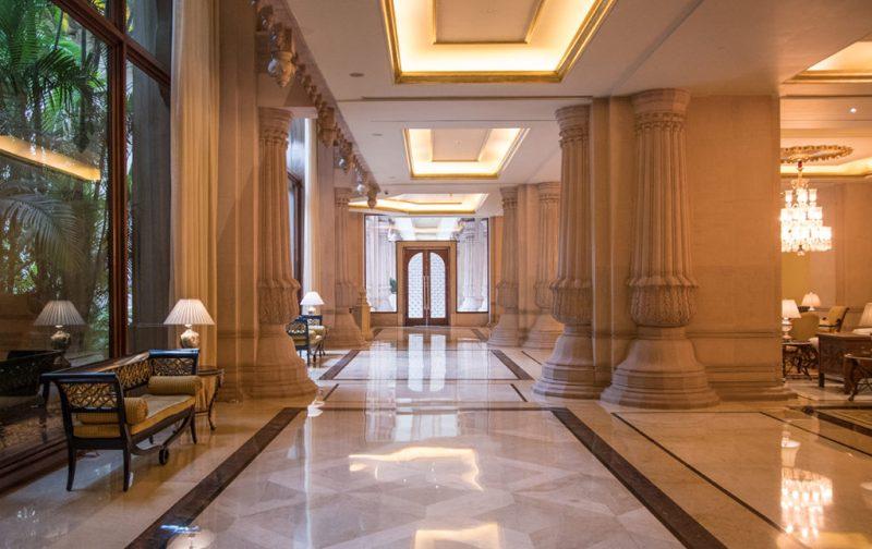 Karnataka: santuarios naturales, delirios de grandeza y contrastes urbanos - karnataka-hotel-interior-lobby