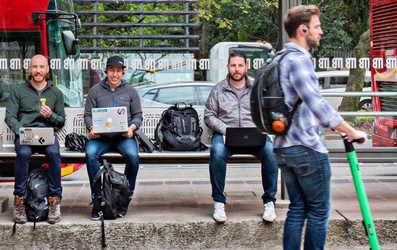 Dev.F, la escuela de hackers más grande de América Latina - laptops-hackers-dev-f-escuela