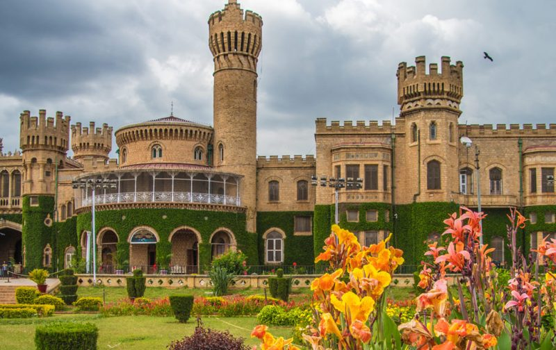Karnataka: santuarios naturales, delirios de grandeza y contrastes urbanos - palacio-karnataka-cultura-viaje-destino