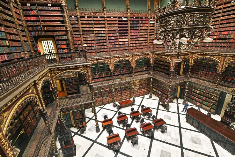 Las bibliotecas más bonitas del mundo - bibliotecas_-gabineterealportugues