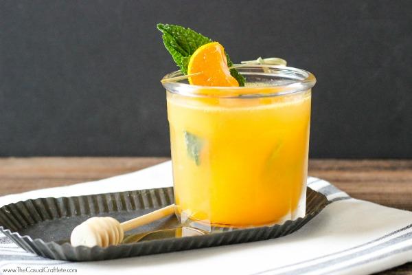 6 bebidas refrescantes y sin alcohol para esta temporada - hotbook_bebidasrefrescantes_mandarinamiel