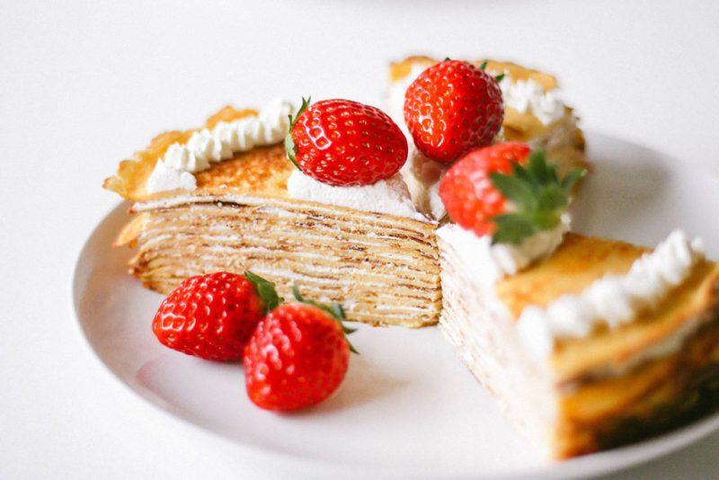Seis recetas keto que te encantarán - hotbook_dietaketorecetas_crepafresas