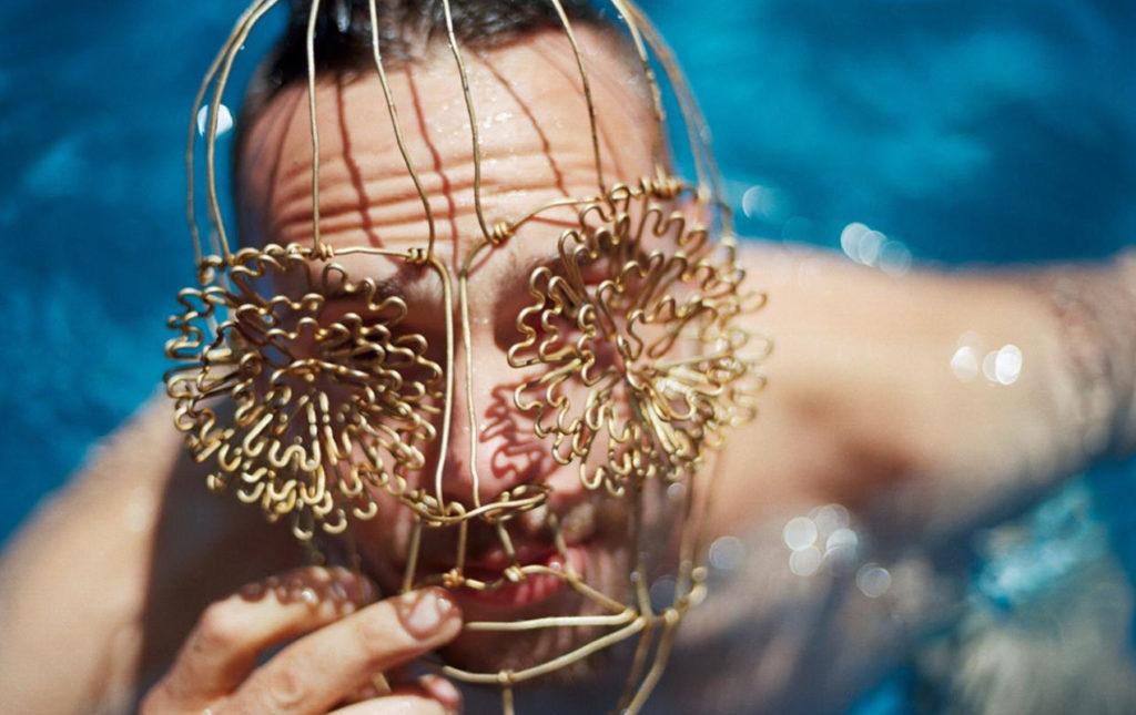 Máscaras de Alambre, un accidente creativo - máscaras fashion foto alberca