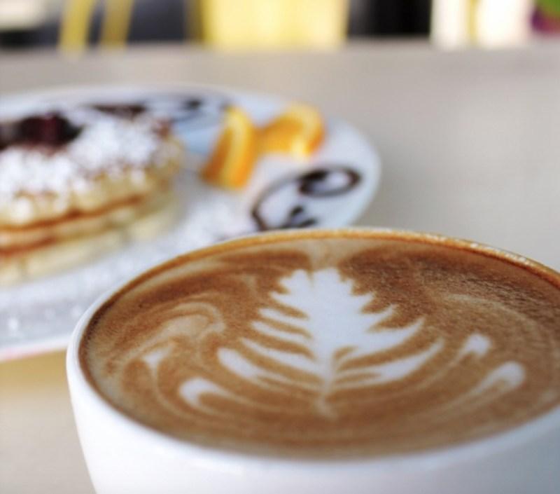 Los lugares más cool para desayunar en San Diego - desayunossandiego_coffeecup