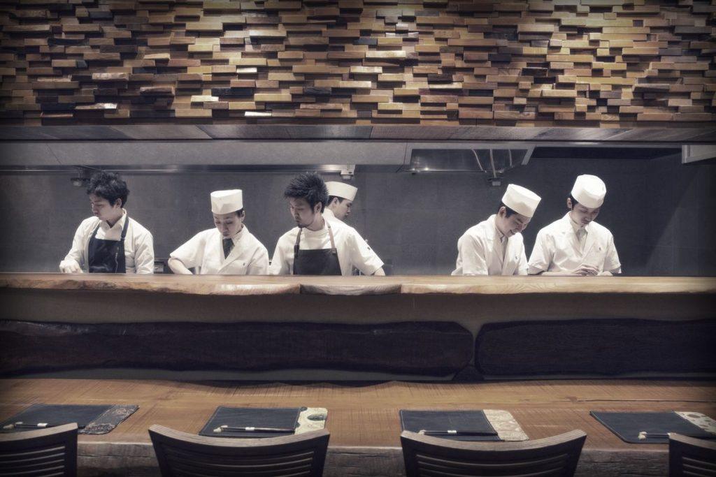 7 restaurantes por los que vale la pena viajar - Hotbook_RestaurantesValePena_Portada