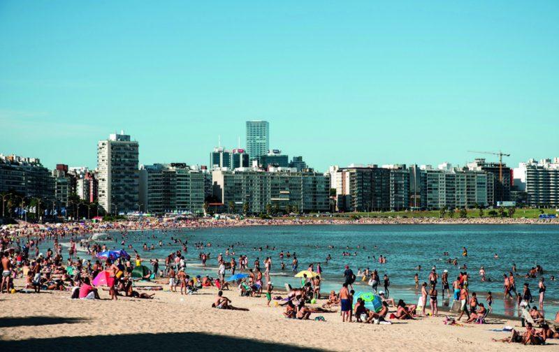 Montevideo: ramblas, mercados y art decó - montevideo-10