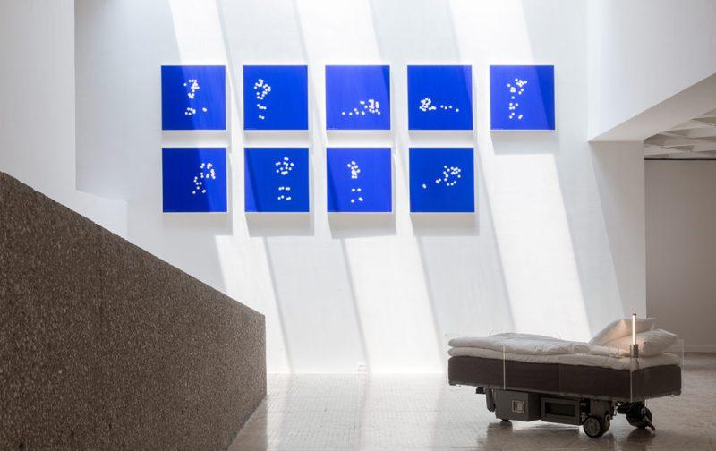 Sunday de Carsten Höller en el Museo Tamayo - hotbook_hotculture_hotart_carstenholler_tamayo_cuadros_camillas_cuadros_-ramiro_chavez