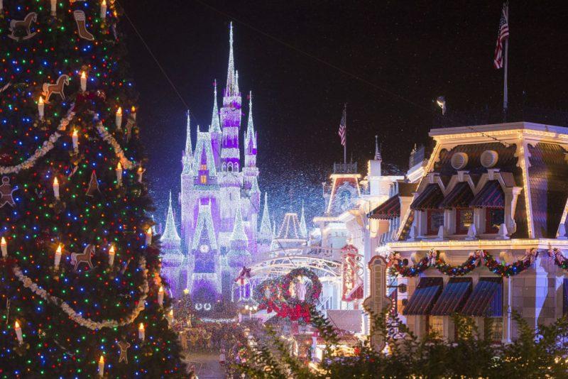 8 increíbles mercados navideños en el mundo - mercado-navidencc83o-4