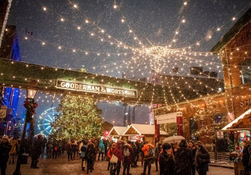 8 increíbles mercados navideños en el mundo - mercado-navidencc83o-8