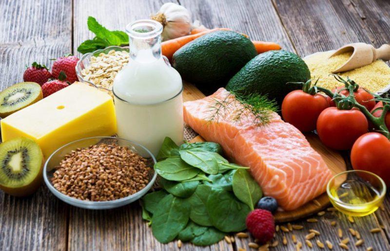 Tips para desintoxicarte y comenzar el año de forma saludable - 4-no-te-saltes-comidas-portada-1