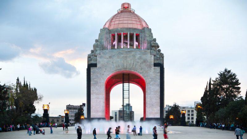 Los mejores spots románticos para llevar a tu pareja este 14 de febrero - monumento-a-la-revolucion-14-de-febrero