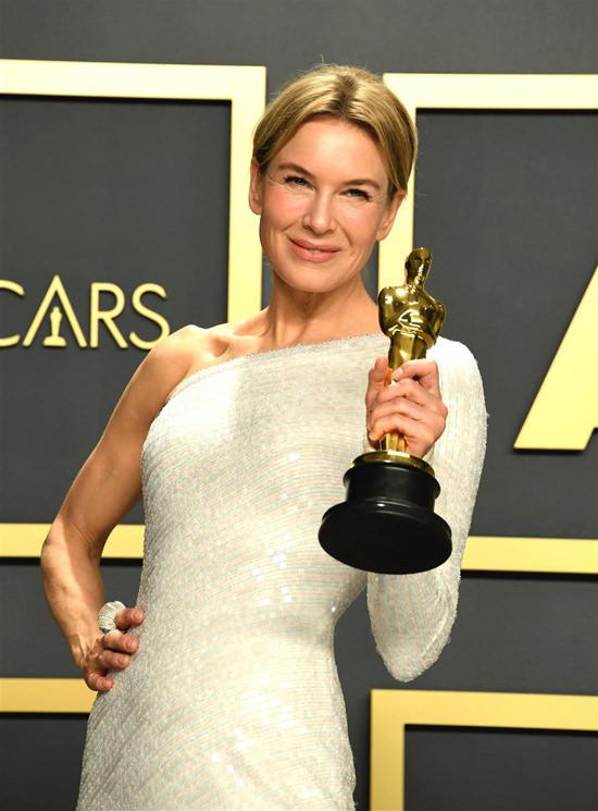 Óscar 2020: los mejores looks de la alfombra roja - oscars-2020-alfombra-roja-3