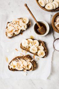 5 recetas para hacer toasts imperdibles - portada mermelada toasts spread
