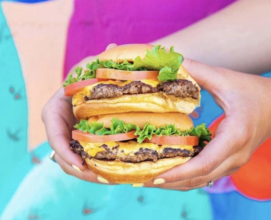 Ahora puedes hacer tu propia hamburguesa de Shake Shack en casa - Ahora puedes hacer tu propia hamburguesa de Shake Shake en casa portada