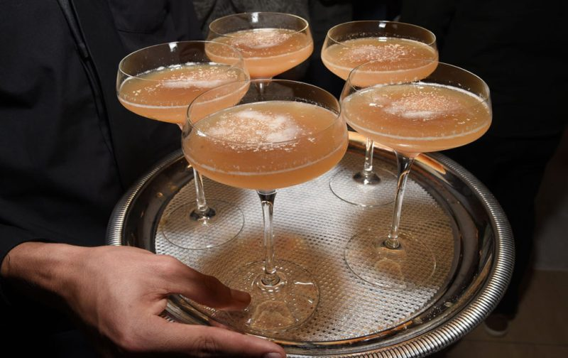 The West Hollywood Edition, un hotel fuera de serie - hotbook_thewesthollywood-cocteles-charola-drinks