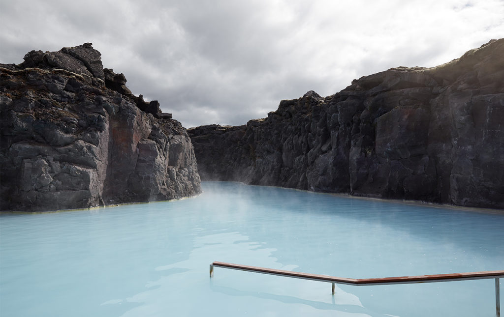 Blue Lagoon Islandia, el destino ideal para tu luna de miel - PORTADA-hotbook_hothoneymoon_bluelagoon-islandia-laguna