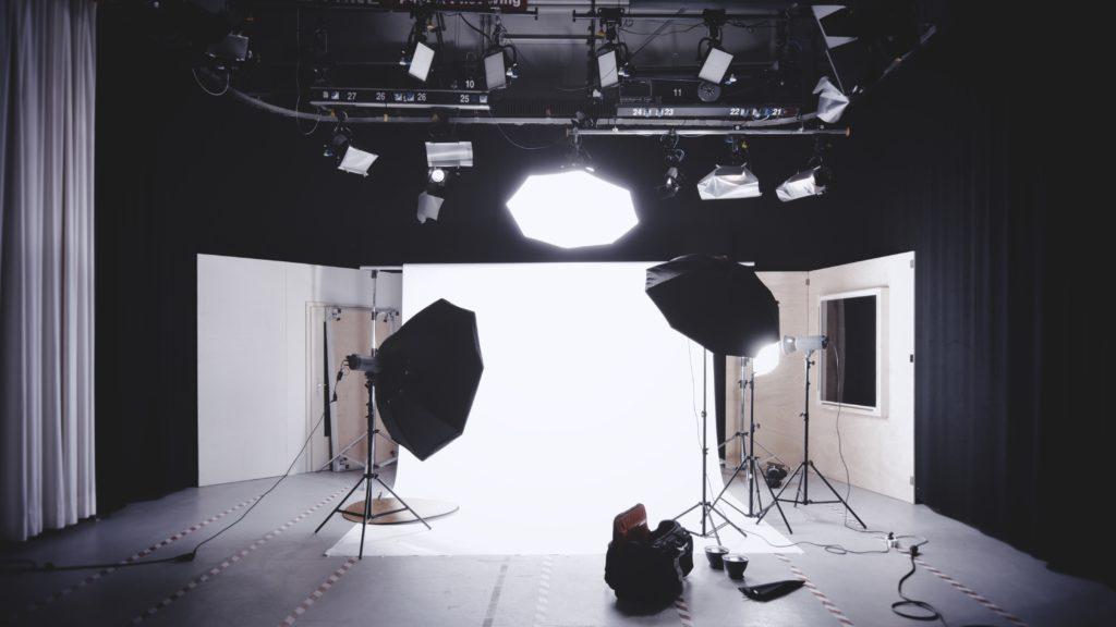 Conoce la nueva tendencia de los fashion photoshoots - Portada Todo sobre la nueva tendencia de los fashion photoshoots zoom Instagram shoot bella hadid Instagram foto online cuarentena coronavirus covid-19 foodie Instagram healthy foodie receta en casa