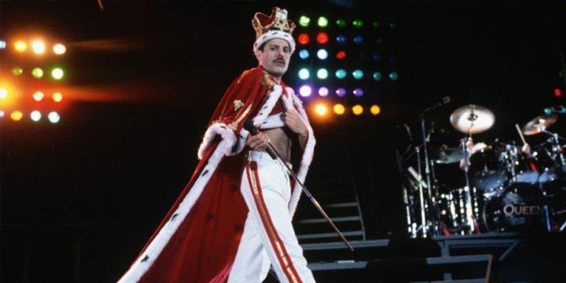 Tus películas favoritas en un mismo lugar, revive la emocionante vida de Freddie Mercury en el Autocinema Platino Cinemex presentado por AT&T - todo-lo-que-tienes-que-saber-sobre-freddie-mercury-bohemian-rhapsody-7