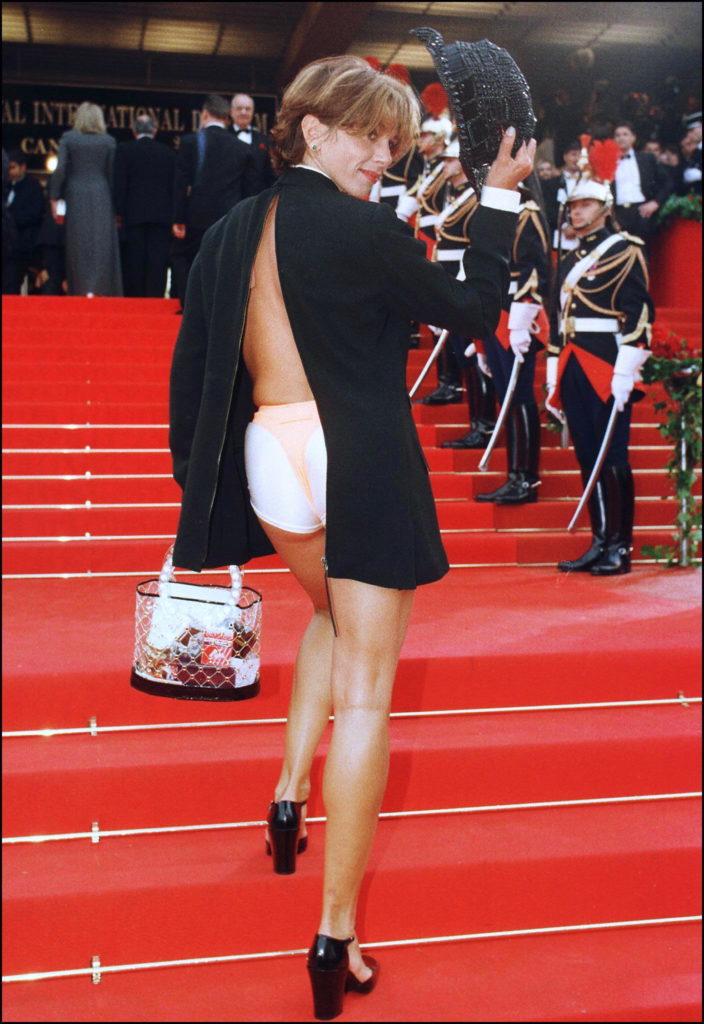 Cannes Rebels: el estricto código de vestimenta del festival y quién lo ha roto - victoria-abril-cannes-rebels-el-estricto-codigo-de-vestimenta-del-festival-de-cannes-y-quien-lo-ha-roto-zoom-cannes-film-festival-online-tiktok-instagram-foodie