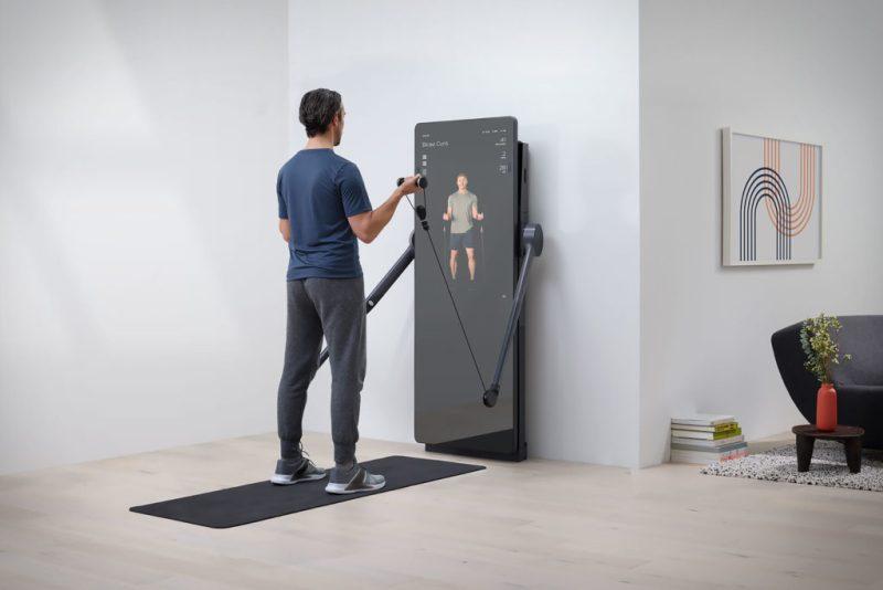 Lululemon adquiere Mirror, el high-tech gadget de ejercicio más hot del momento - lululemon-adquiere-mirror-el-high-tech-gadget-de-ejercicio-mas-hot-del-momento-google-instagram-tiktok-online-coronavirus-google-zoom-viajes-technolgoy-viajes-verano-que-hacer-como-hacer-2
