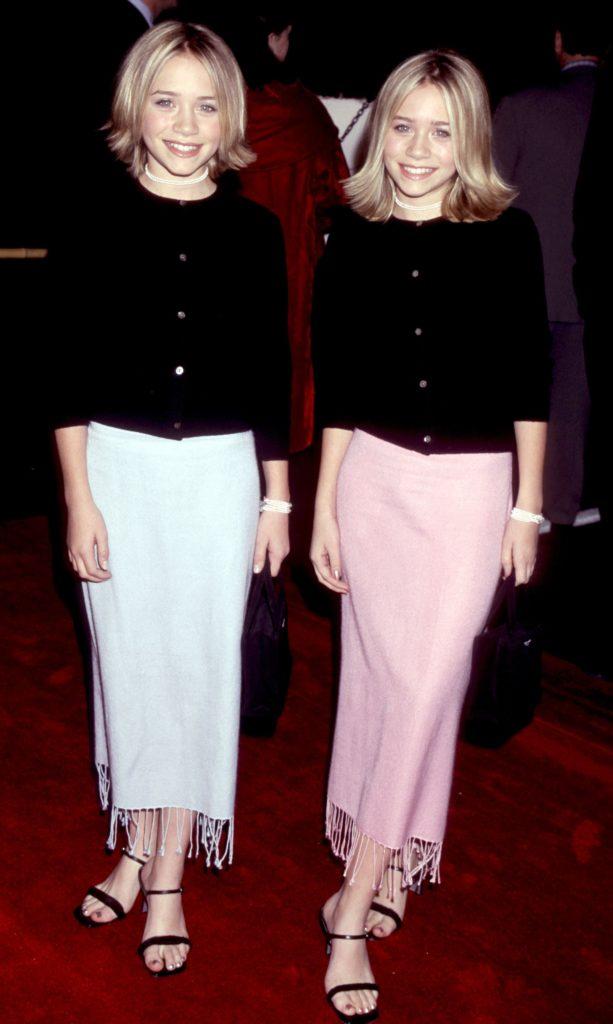 Las fotos más icónicas de la moda de los 90 - mary-kate-ashley-olsen-las-fotos-mas-iconicas-de-la-moda-en-los-90-moda-fashion-celebrities-fashion-icon-iconic-fotos-style-trend-design-designer-google-online