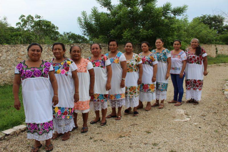 Conoce Ensamble Artesano, el proyecto que busca impulsar la artesanía mexicana - ea-grupoartesanal-bordado-chuytikabtexanyucatan-flegorretahernandez