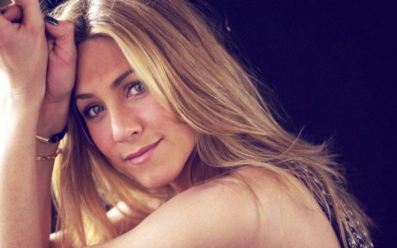 El secreto detrás de la apariencia de Jennifer Aniston - el-secreto-detras-de-la-apariencia-de-jennifer-aniston-la-prestigiosa-actriz-americana-gwewneth-paltrow-gigi-hadid-kim-kardashian-orlando-bloom-google-instagram-tiktok-gold-sculpting-bar-beauty