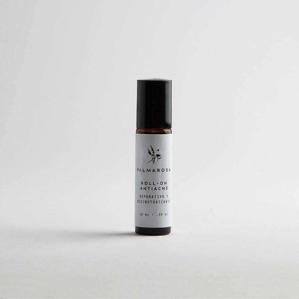 Beauty routine essentials: cuida y consiente tu piel todos los días - roll-anti-acne-palmarosa-beauty-routine-essentials