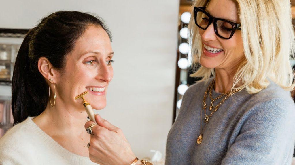 El secreto detrás de la apariencia de Jennifer Aniston - top-secret-el-secreto-detras-de-la-apariencia-de-jennifer-aniston-la-prestigiosa-actriz-americana-gwewneth-paltrow-gigi-hadid-kim-kardashian-orlando-bloom-google-instagram-tiktok-gold-sculpting-1