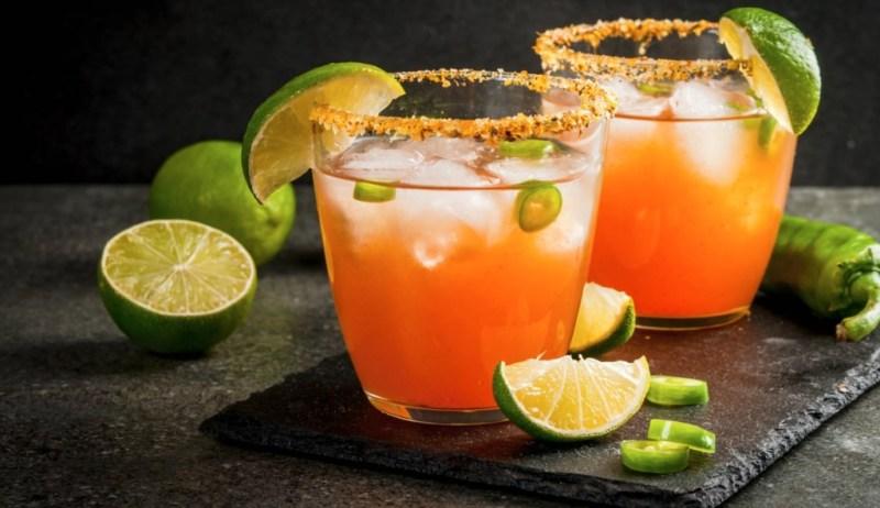 ¡Viva México! 10 cocteles con mezcal para brindar durante las fiestas patrias - viva-mexico-10-cocteles-con-mezcal-para-brindar-en-las-fiestas-patrias-septiembre-dia-de-la-independencia-fiestas-patrias-google-instagram-tiktok-google-online-zoom-google-meet-septiembre-2020-c-1-1