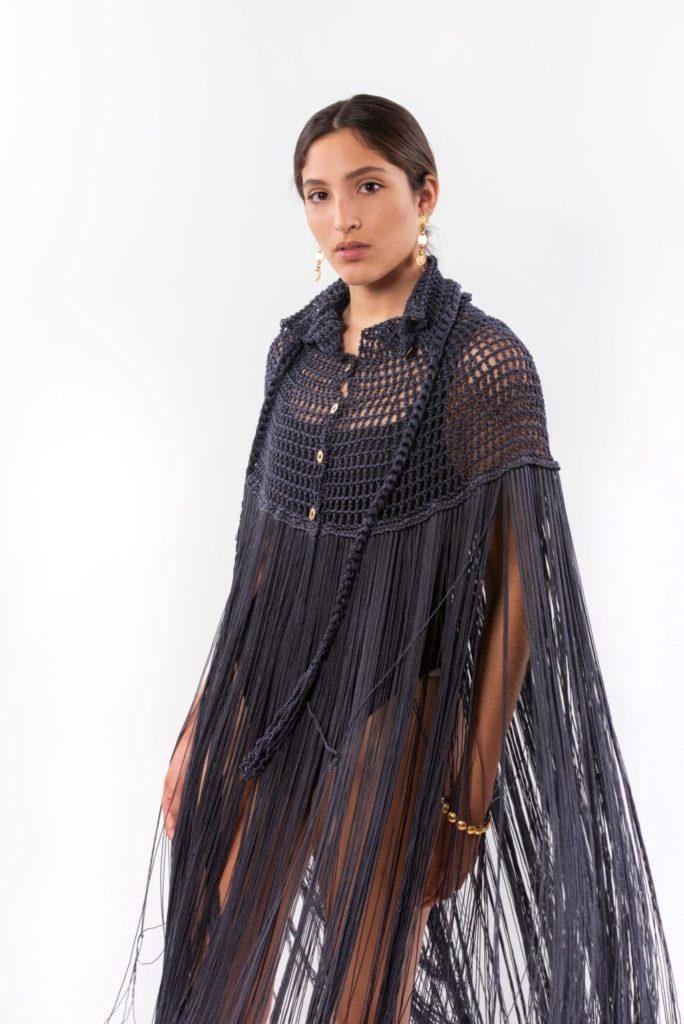 Te presentamos a Daniela Bustos Maya, la marca textil sustentable y de joyería mexicana - poncho-mazorca-hotbook-bazar-te-presentamos-daniela-bustos-maya-la-marca-textil-sustentable-y-de-joyeria-mexicana