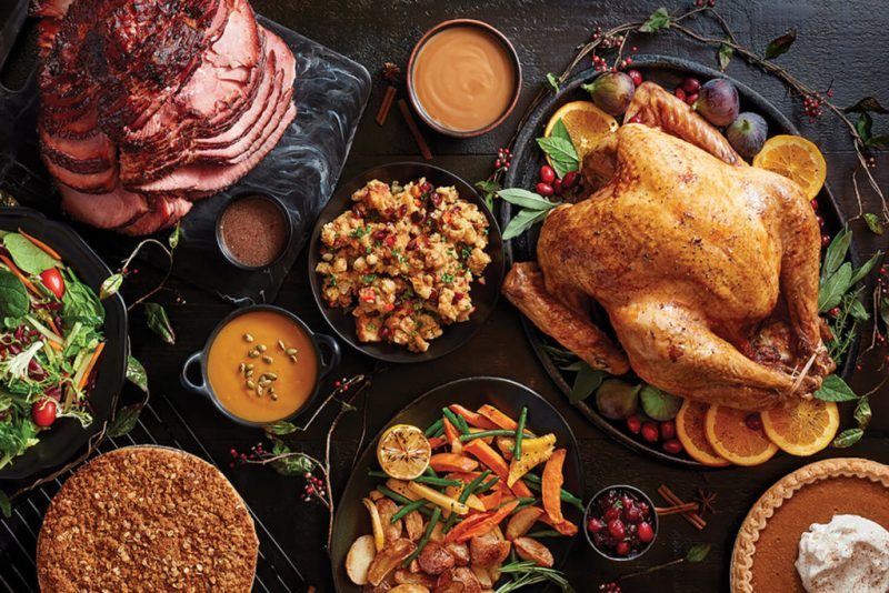 Tips para festejar tu Friendsgiving - como-festejar-tu-friendsgiving-cocina-cena-comida