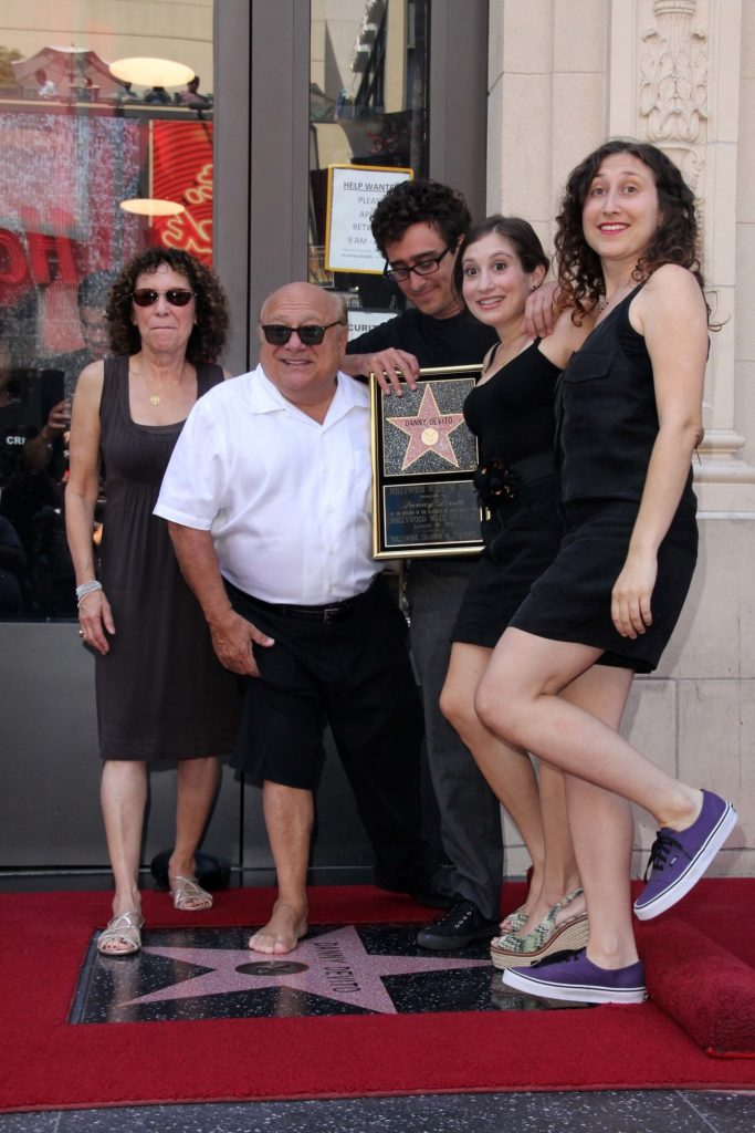 Happy birthday Danny DeVito! 10 fun facts que probablemente no sabías de él - foto-7-happy-birthday-to-danny-devito-10-fun-facts-que-probablemente-no-conocias-sobre-el-familia