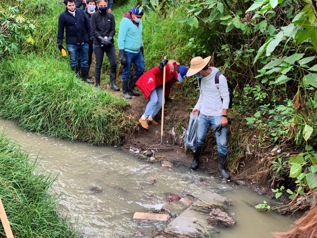 ¿Cómo limpiar un río sin salir de tu casa? - limpieza de rio