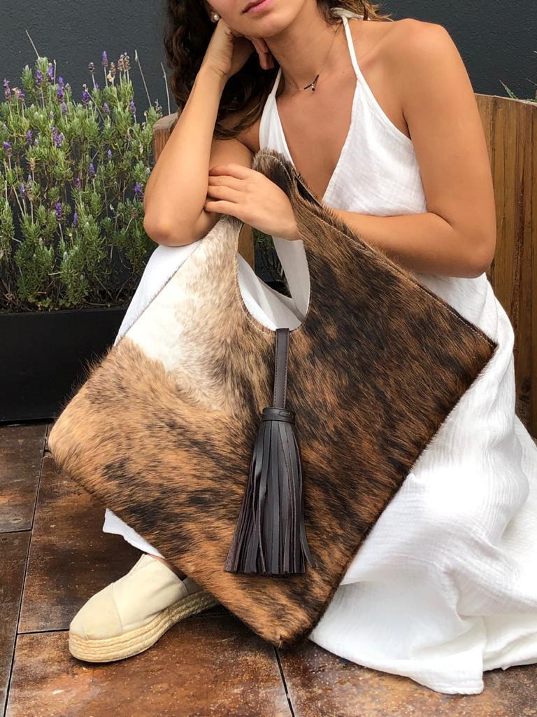 Aikana, bolsas mexicanas con personalidad - triangulo-vaca-aikana-bolsas-mexicanas-con-personalidad