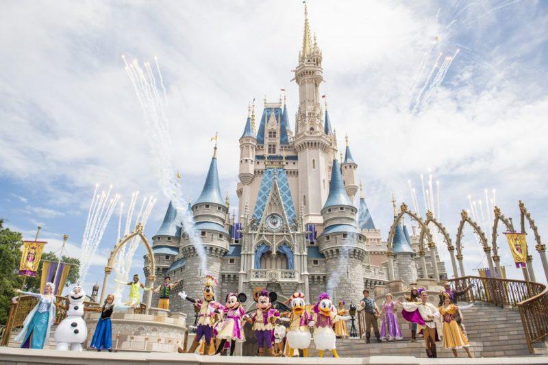15 datos que probablemente no conocías acerca de los castillos de Disney - datos-que-probablemente-no-conocias-acerca-de-los-castillos-de-disney-alrededor-del-mundo-disney-castillos-disney-castles-cinderella-tokyo-shanghai-paris-google-amazon-viajes-navidad-google-disn-3