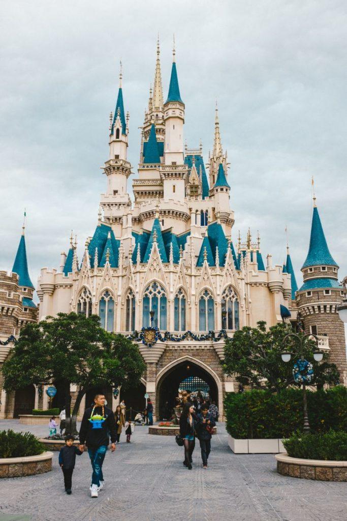 15 datos que probablemente no conocías acerca de los castillos de Disney - datos-que-probablemente-no-conocias-acerca-de-los-castillos-de-disney-alrededor-del-mundo-disney-castillos-disney-castles-cinderella-tokyo-shanghai-paris-google-amazon-viajes-navidad-google-disn-6
