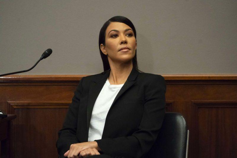 5 veces que la familia Kardashian nos ha dado lecciones inolvidables sobre negocios - cinco-veces-que-la-familia-kardashian-nos-ha-dado-lecciones-inolvidables-sobre-negocios-kylie-jenner-kourtney-kardashian-travis-baker-3