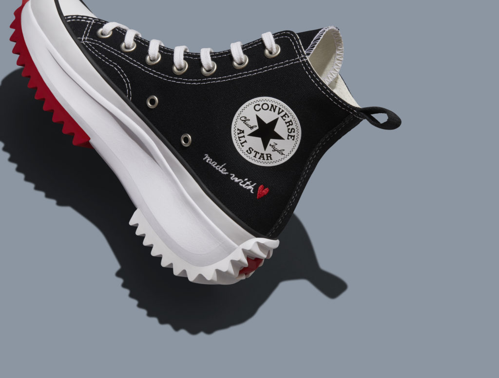 Conoce Made with Love, la nueva colección de Converse bordada con amor - conoce-made-with-love-la-nueva-coleccion-de-converse-bordada-de-amor-sneakers-chuck-taylor-made-with-love-fashion-google-amazon-amazon-prime-amazon-google-chuck-taylor-all-star-converse-converse-4