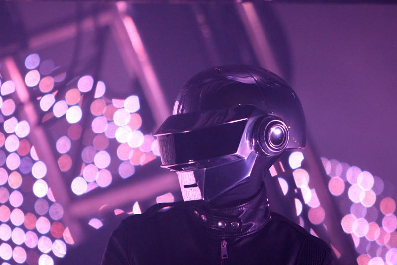 Daft Punk, el legendario dúo de música house, se separa - foto-10-daft-punk-el-legendario-duo-de-musica-house-se-separa-napoli-andres-roemer-uv-manchester-united-reina-isabel-uas
