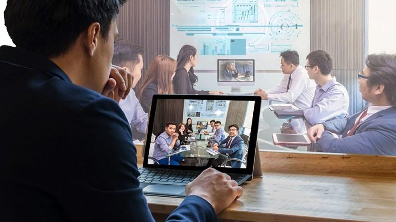 Tendencias del mundo laboral en el 2021 - nuevas-tendencias-en-el-mundo-laboral-constitucion-super-bowl-evan-peters-christopher-plummer-home-office-3
