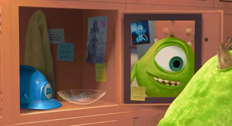 10 detalles que probablemente no habías notado en la película Monsters, Inc. - 2-post-it-locker-mike-wazowski-10-detalles-que-probablemente-no-habias-notado-en-la-pelicula-de-monsters-inc