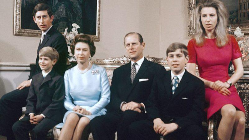 En memoria del príncipe Philip, duque de Edimburgo y compañero de la reina Isabel II - en-memoria-del-principe-philip-duque-de-edimburgo-y-el-fiel-compancc83ero-de-la-reina-isabel-ii-prince-philip-queen-elizabeth-ii-prince-philip-queen-elizabeth-duque-of-edinburg-queens-husband-7