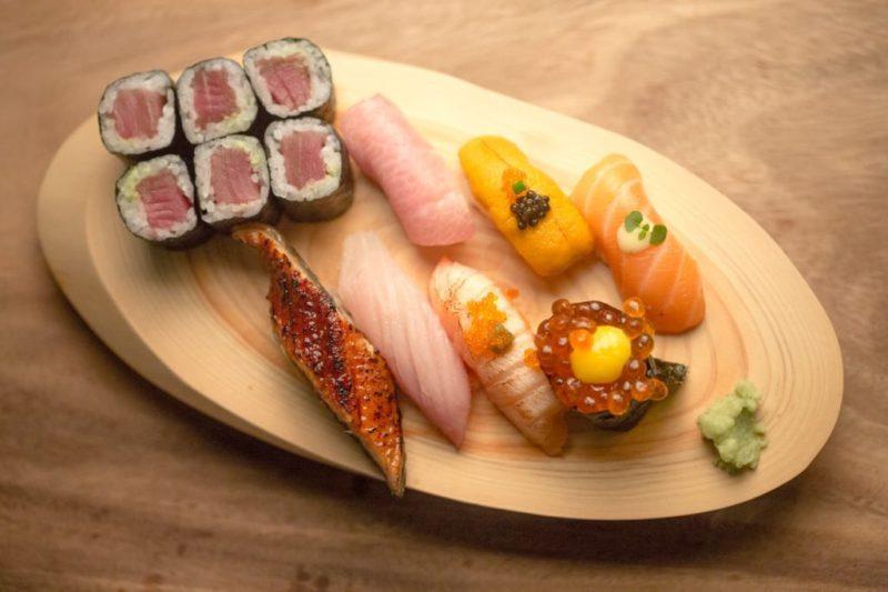 Yoru Handroll and Sushi Bar, una propuesta culinaria japonesa que conquistará tu paladar - foto-2-el-emblema-de-yoru-representa-el-movimiento-de-una-cultura-global-sofisticada-que-esta-siempre-atenta-al-cambio-y-mantiene-la-ciriosidad-al-maximo